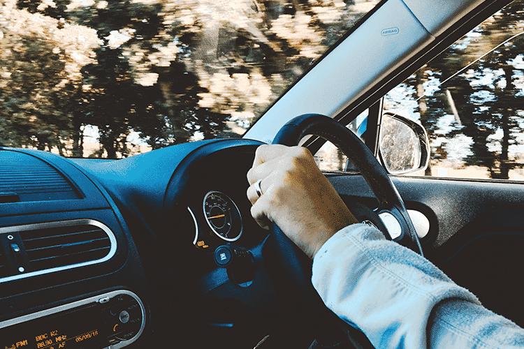 shortest-commutes-man-driving